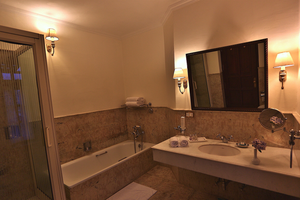 En-suite-Bathroom-castle